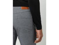 Hose mit Stretch-Anteil